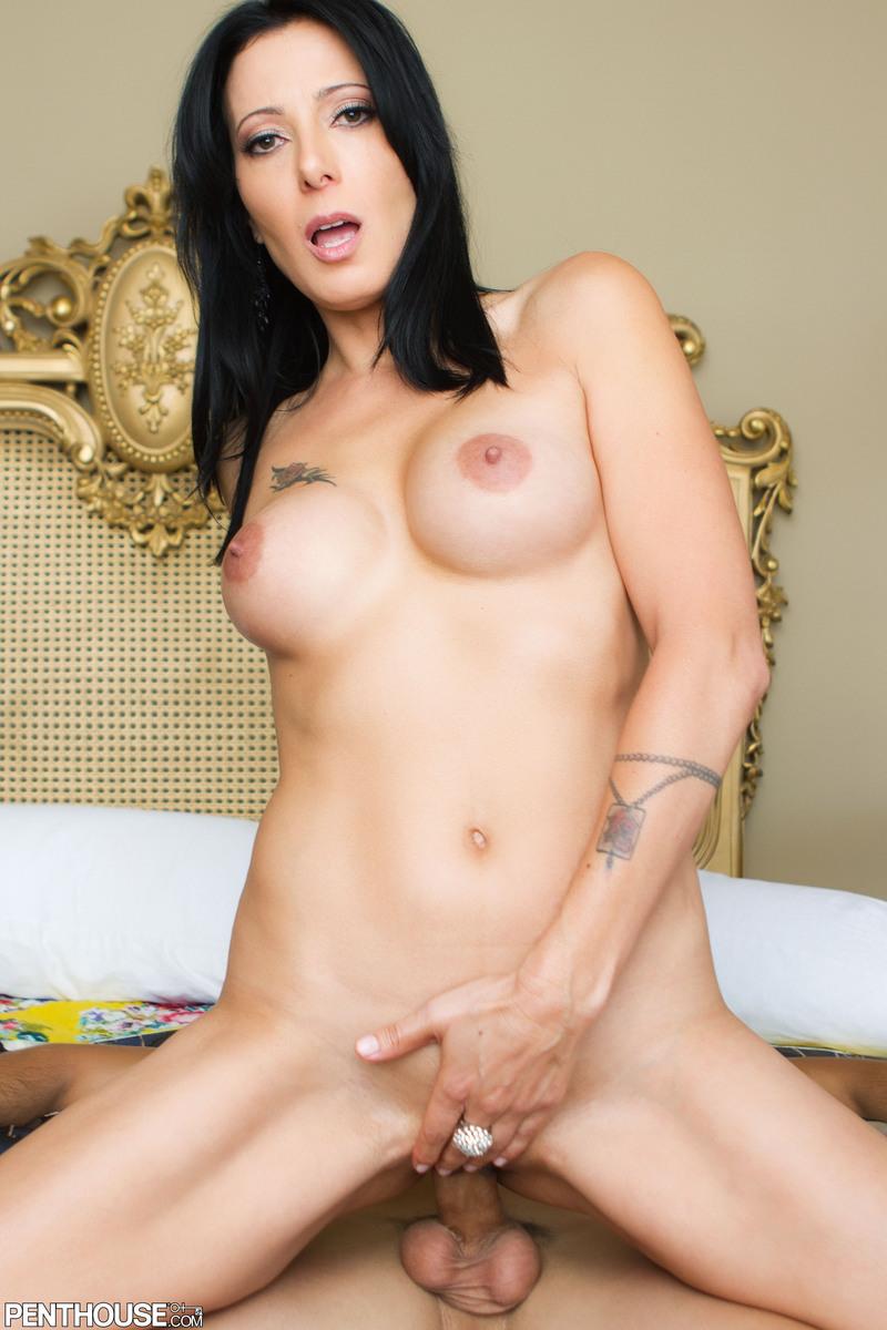 Zoey holloway nude
