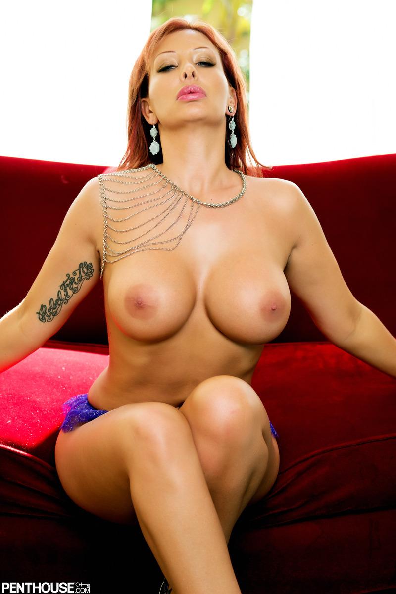 nude Stella styles