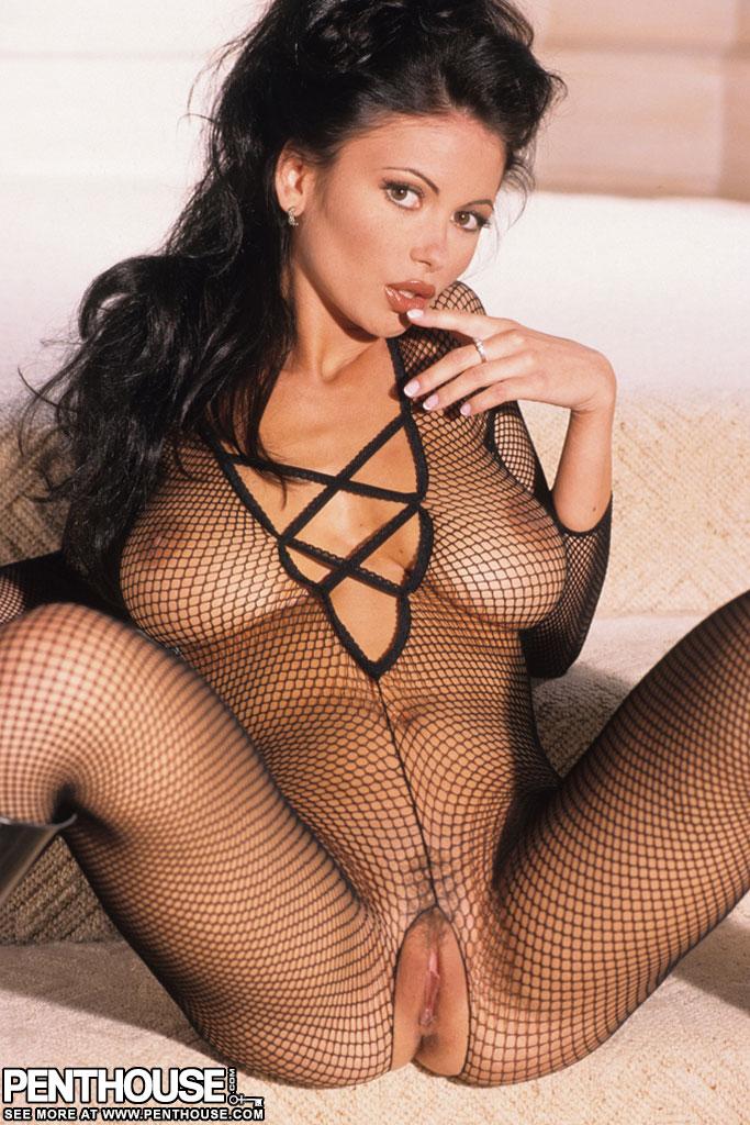 2 stunning hot lesbian babes carli banks and valentina vaughn make love 6