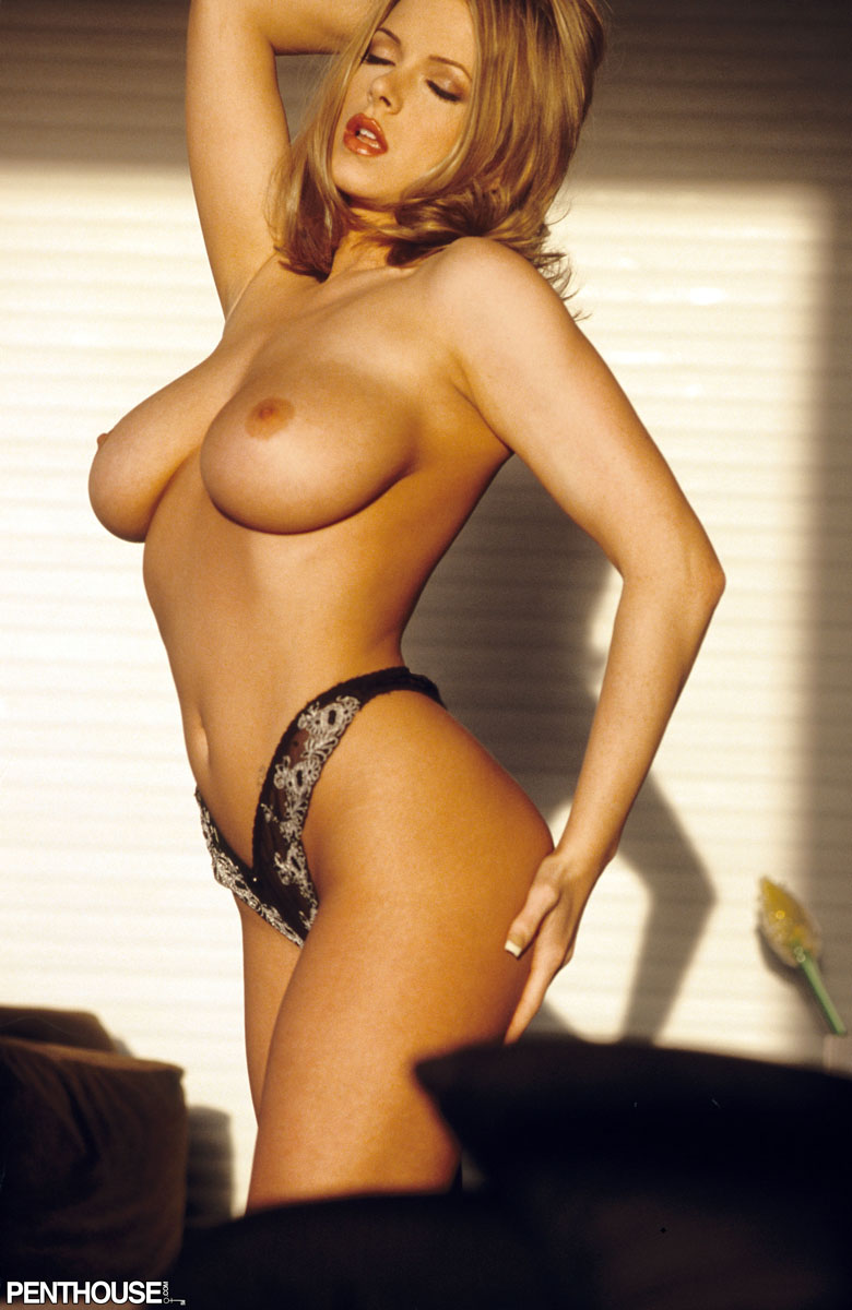 sydney moon free nude jpg 1500x1000