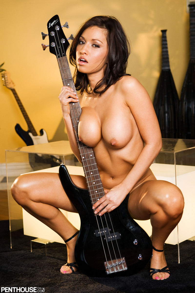 bass Naked girl guitar playing