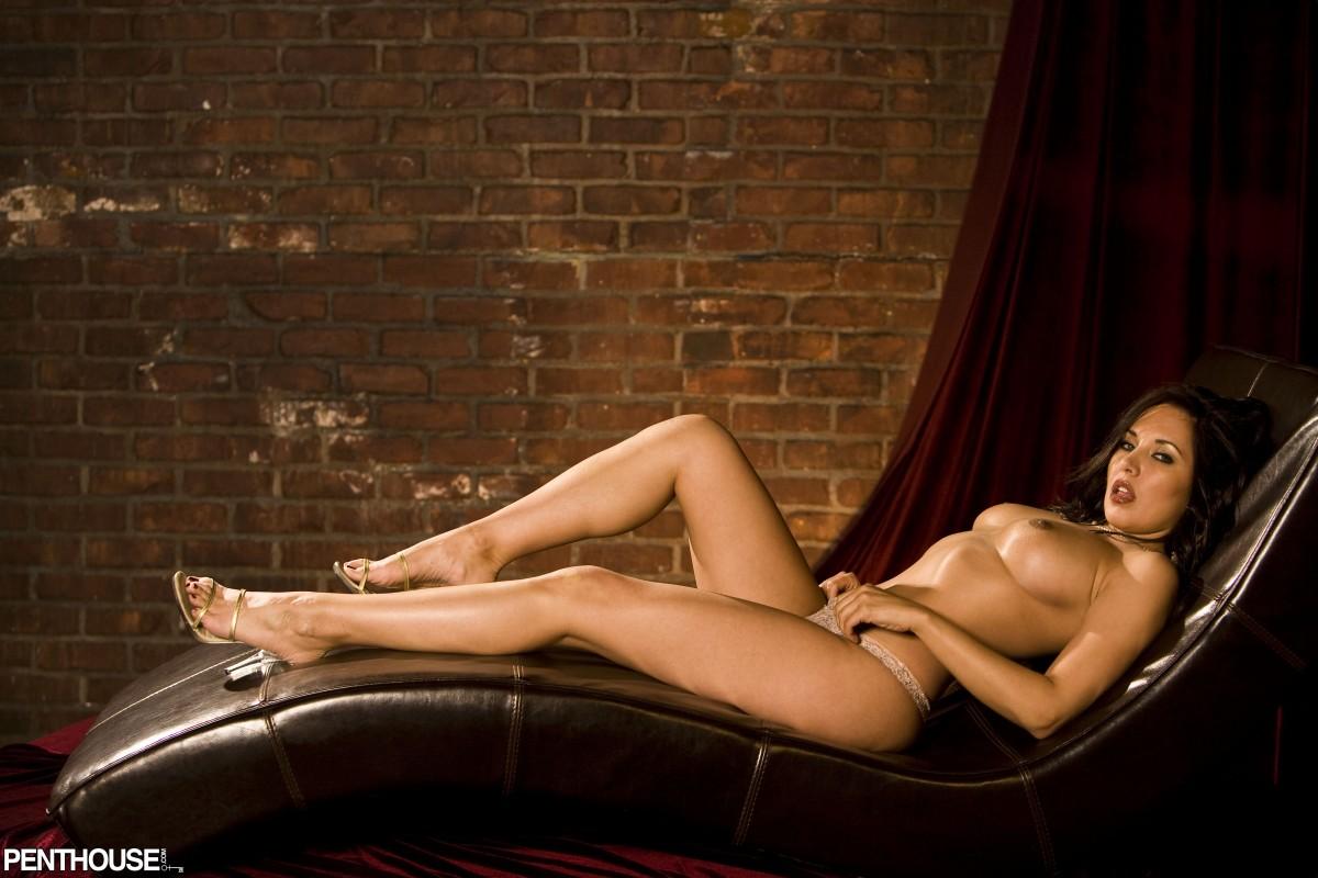 Zoe Britton - Penthouse Galleries - Exclusive Penthouse ...